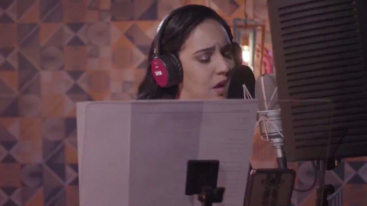 Samantha Ayara grava clipe com música da...