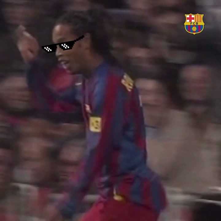⚡️ Xavi 😎 @10Ronaldinho  ❤️ @Carles5puyo...