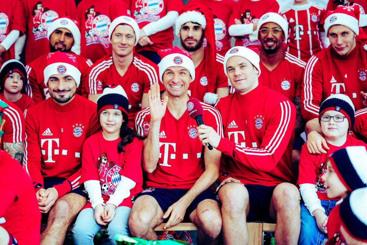 Fc Bayern Wünscht Frohe Weihnachten.Fc Bayern München On Twitter Jingle Bells Jingle Bells