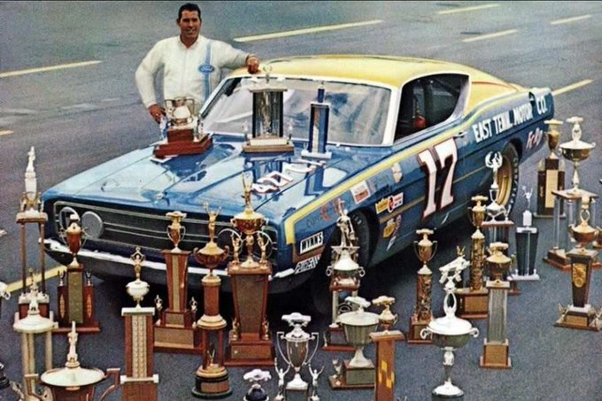 Happy to one of the greatest legends David Pearson he\s 83 today!