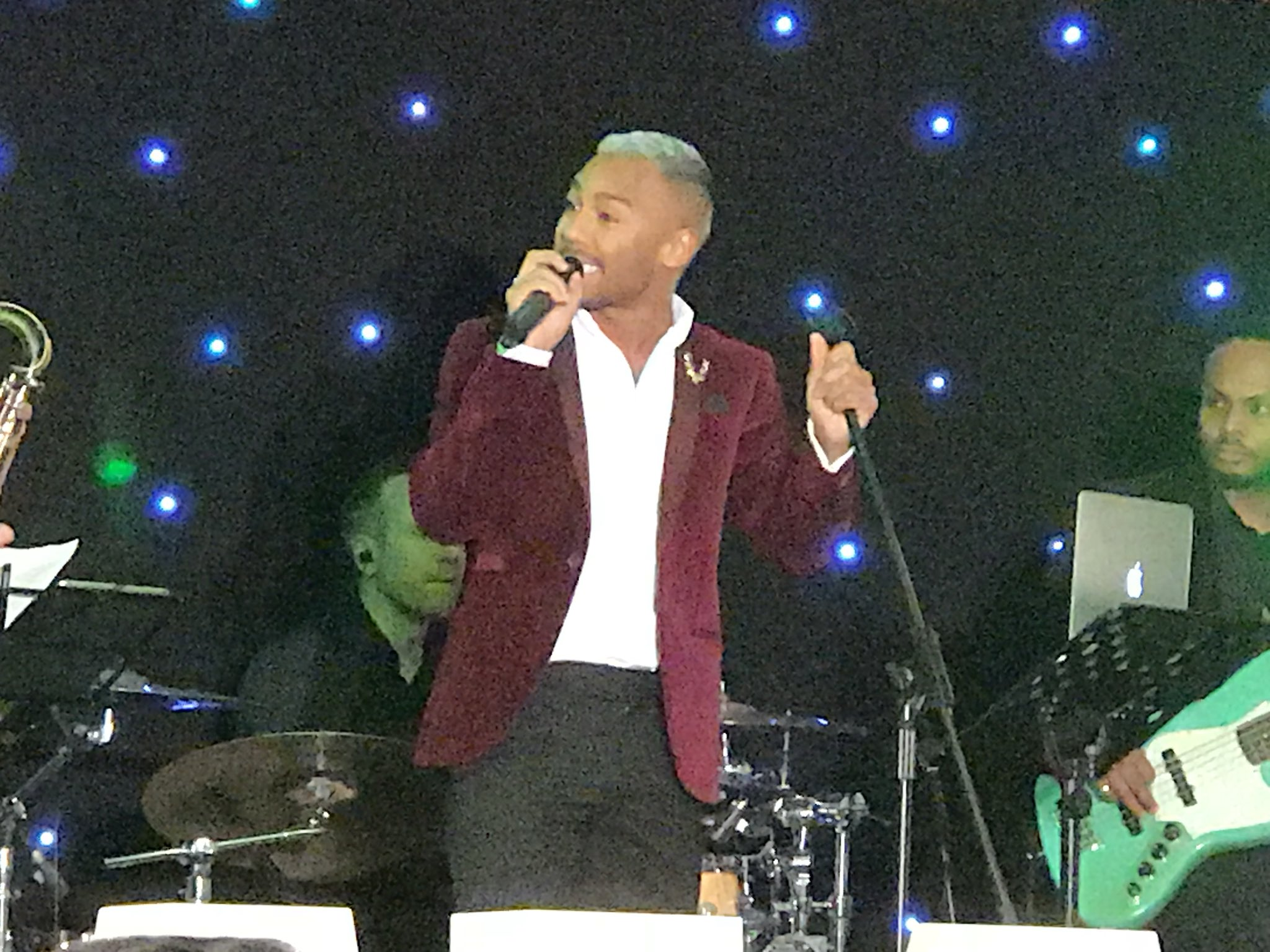 RT @CDC_Events: @MarcuscollinsUK rocking the @WattUtilities #ChristmasParty https://t.co/TiZ9wwwPbY