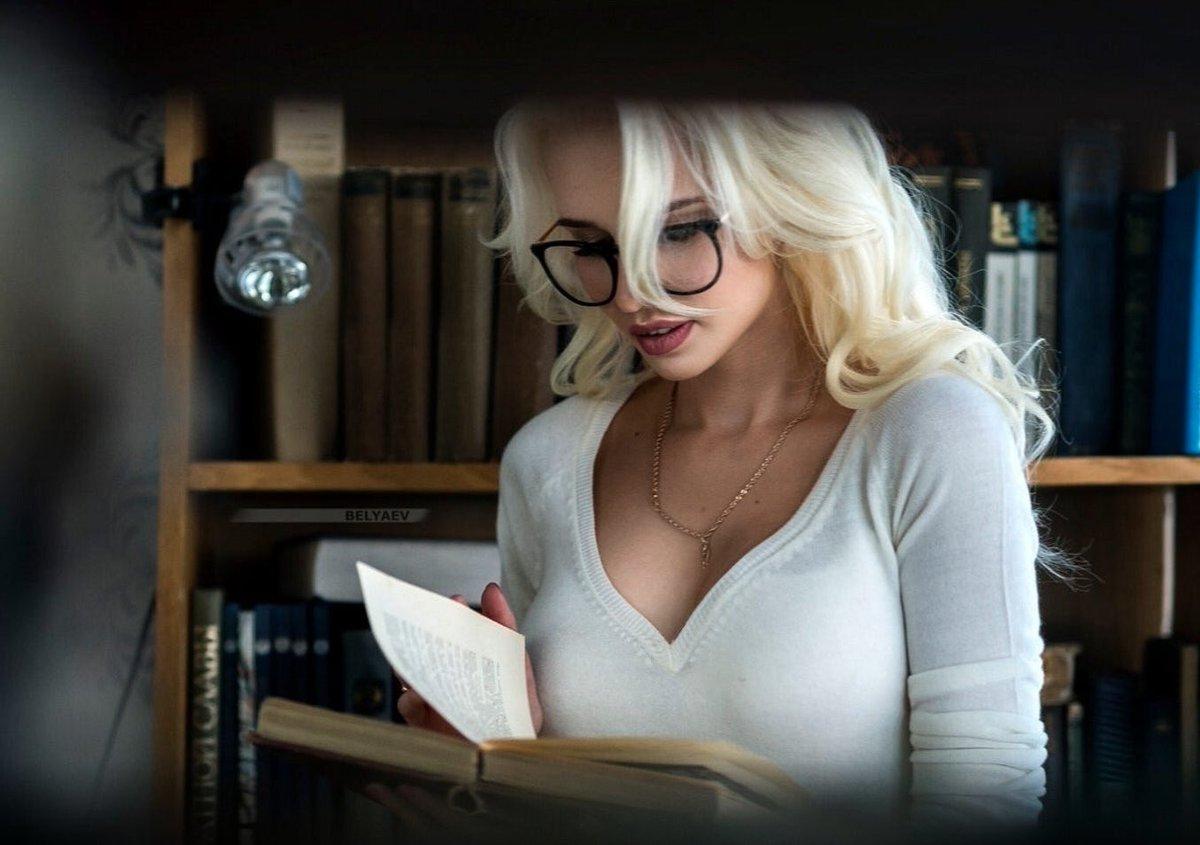 фото красивых девушек блондинок в офисе расслабься, будь
