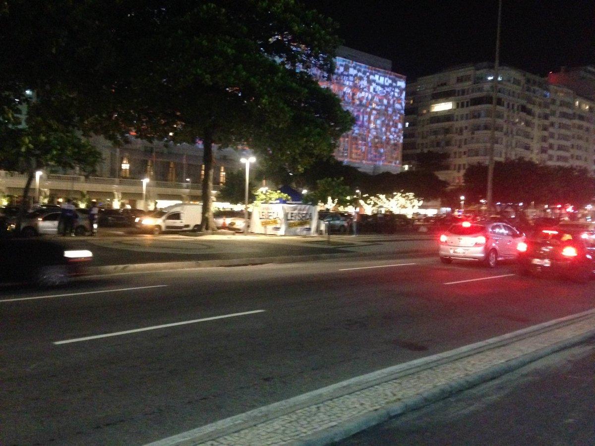Streetlight sex