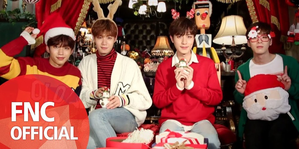 Honeyst say merry christmas with a sweet \'merry honey carol medley ...
