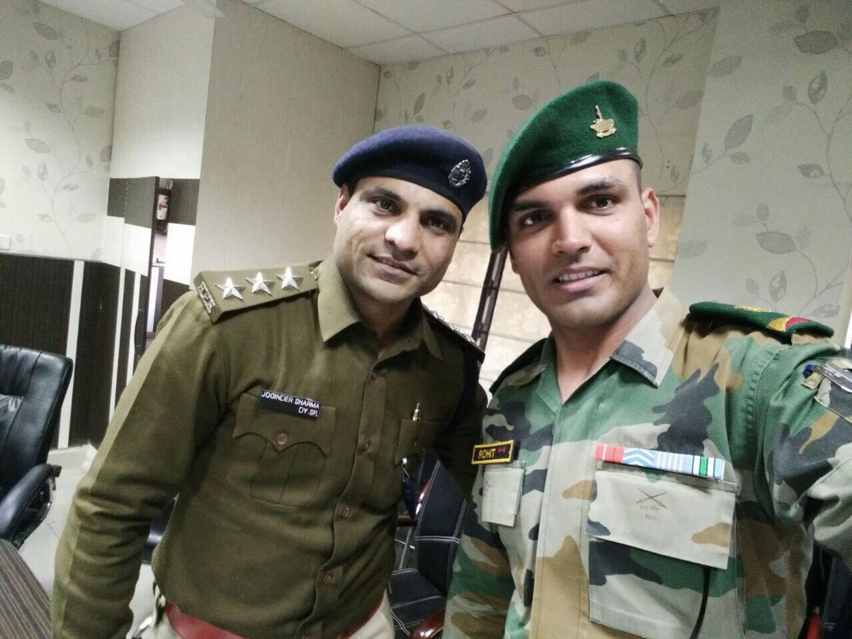 """Joginder Sharma on Twitter: """"Happy moment With a country Hero ..."""