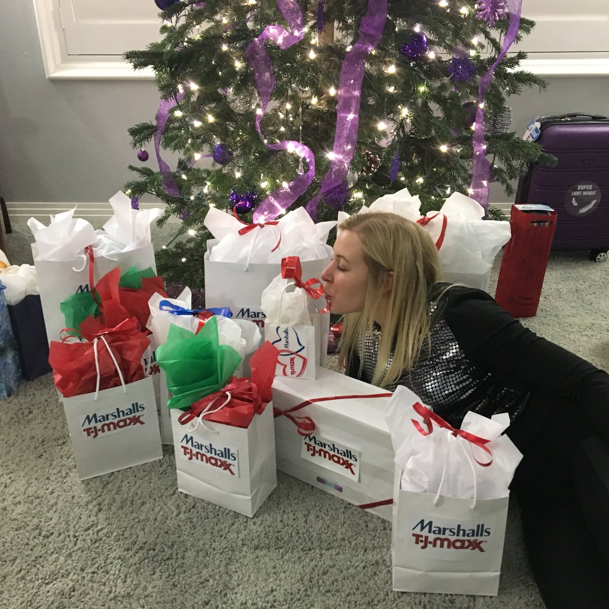 shauna parisi on twitter its a christmas miracle marshalls tjmaxx moreplease marshallssurprise maxxlife bestchristmas mymomrocks - Marshalls Hours Christmas Eve