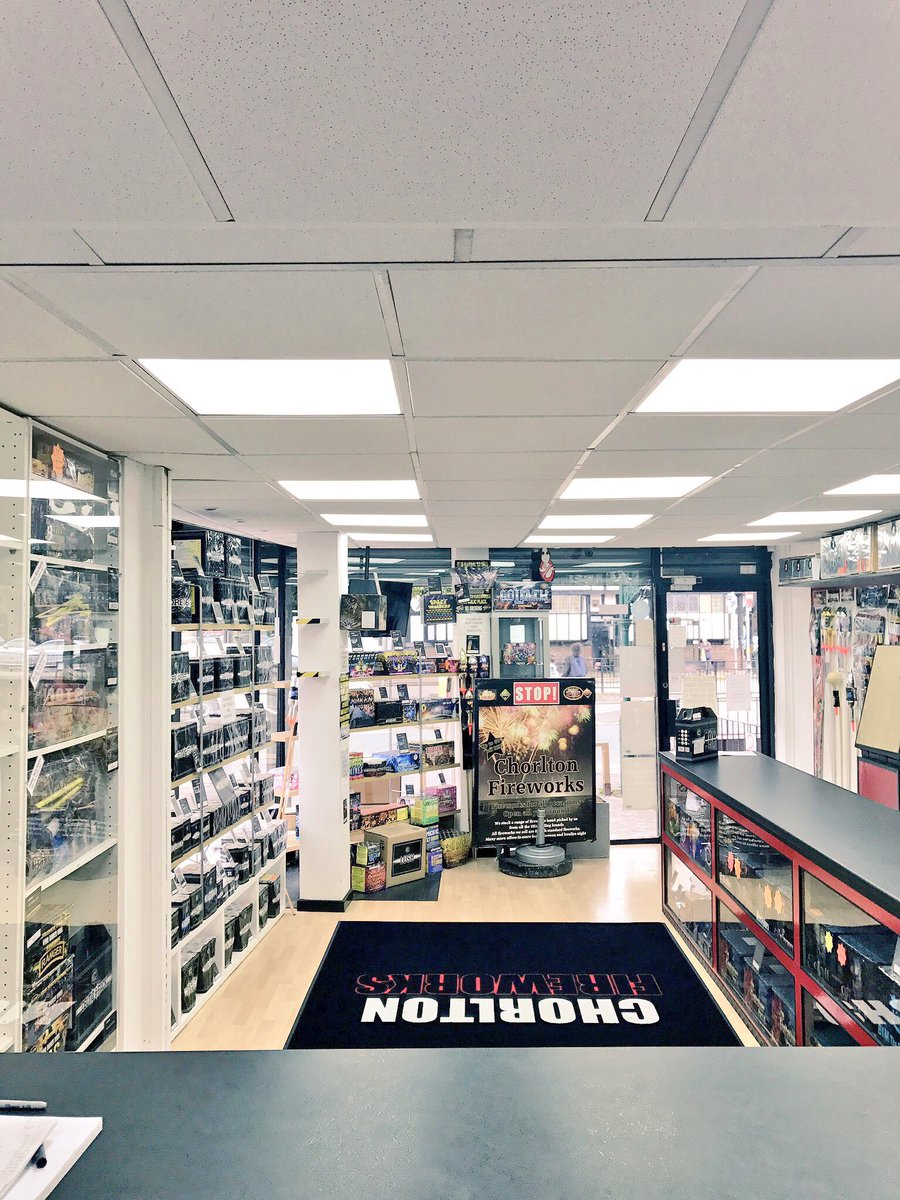 #Manchester No1 #firework Shop. Open all year! Quality fireworks from professionals ? #wilmslow #cheshire #stockport #Bolton #Preston #Christmas ... & Chorlton Fireworks on Twitter: