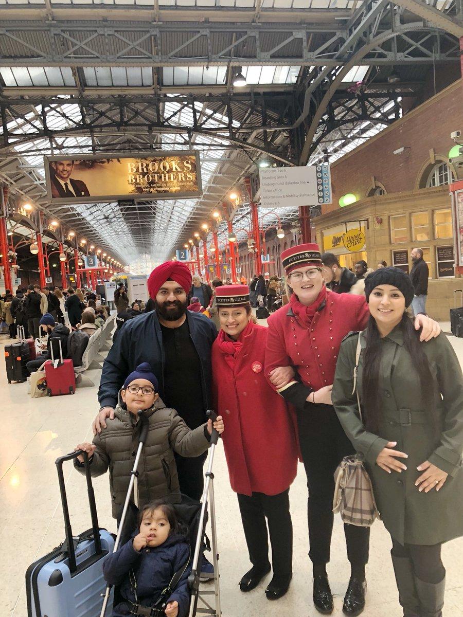 DRvUKpGUMAAB69E - Marylebone station's anniversary