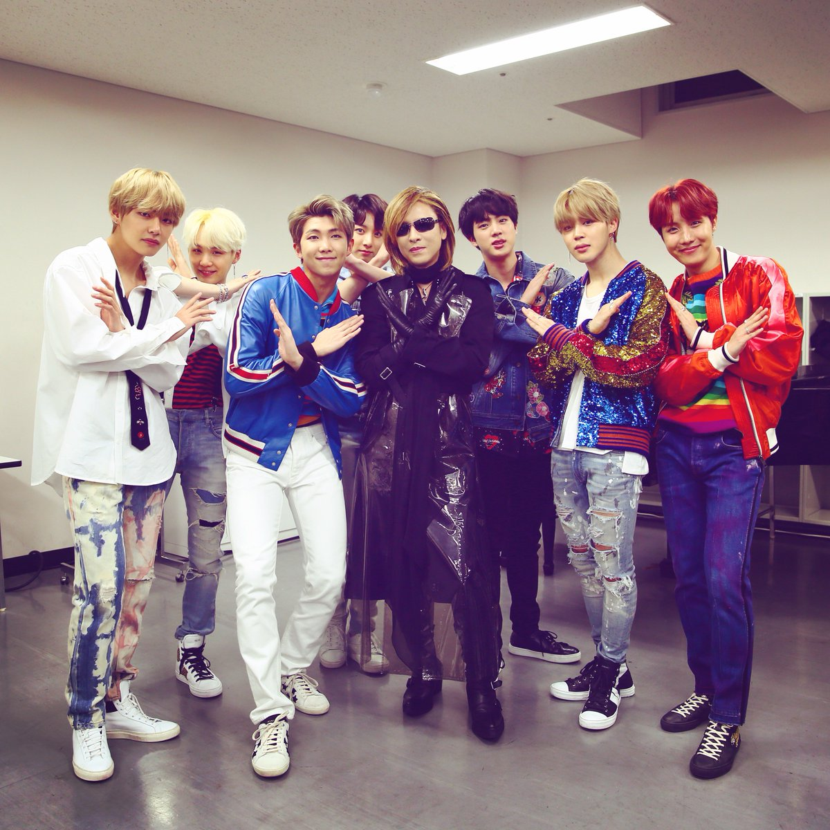 Thank you so much for visiting my dressing room at #MusicStation TV!  It was great to see your performance. is an a#BTSmazing talent & an amazing group! とても才能のあるグループだと思いました         https://t.co/P3OSMrocbypo#Mステse ! #防弾少年団 #Yoshiki #Xjapan #WeAreX