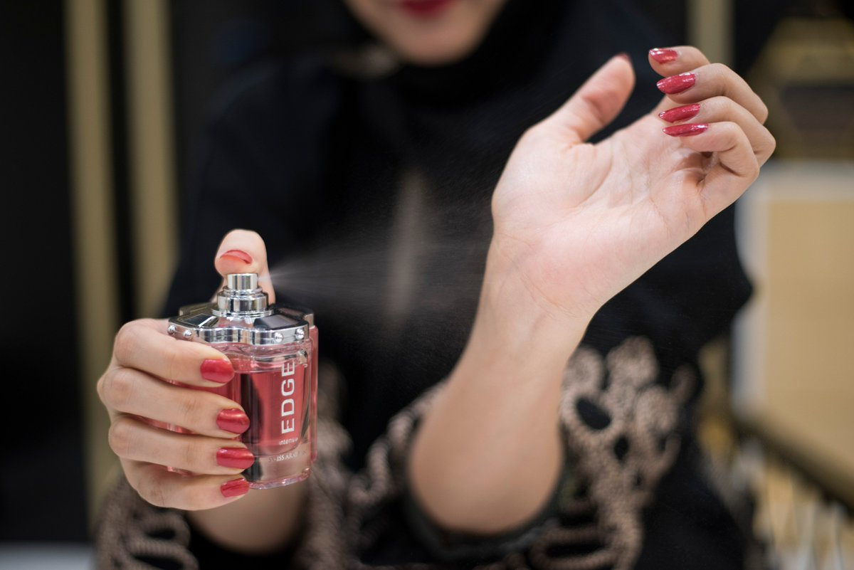 Experience the new addition in #Edge family. Edge Intense for women.  #SwissArabian #UAE #Oman #Qatar #Kuwait #KSA https://t.co/fp3FOQyMnK