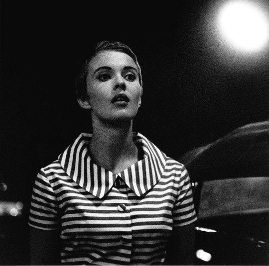 🎬Jean Seberg durante el rodaje de 'À bout de souffle' (Jean-Luc Godard, 1960).