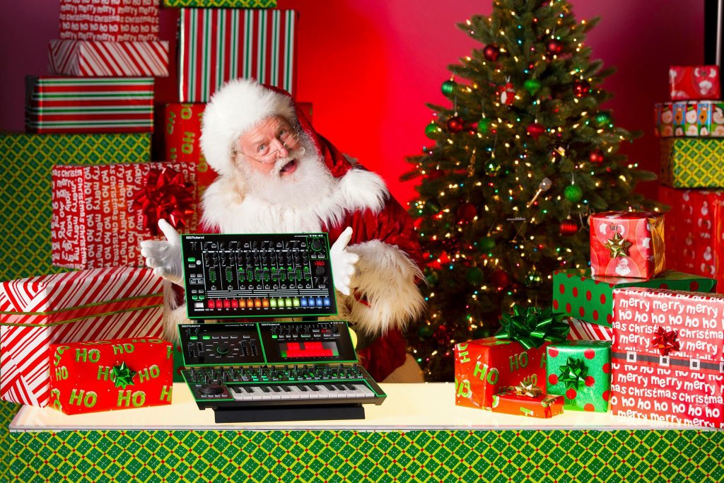 roland us on twitter what did you ask santa to bring you for christmas roland rolandaira music tr8 tb3 vt3 system1 red green instagood