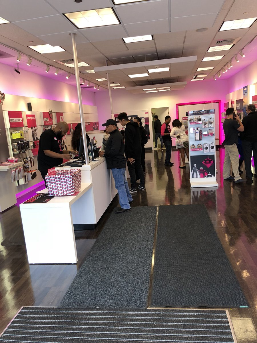 Everyone At Waldorf Is Coming In To Pick Up Their One Get Free Samsung Or Apple Daniel Bui15 Come See Us Waldorfmarketplace Maryland