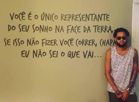#AltasHoras Emicida é um visionário! htt...