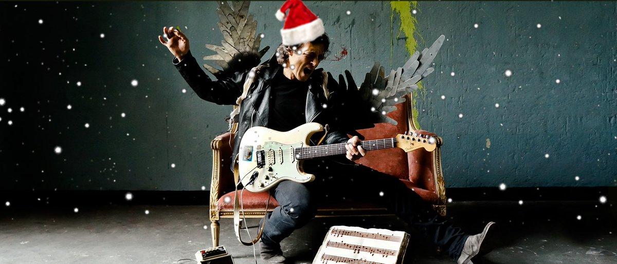 Merry Xmas! https://t.co/qJZTtDAzfl