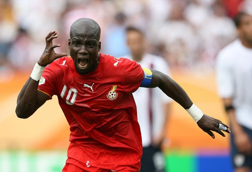 Happy Birthday to the Ghanaian former Captain Stephen Appiah .. Happy 37 leader
