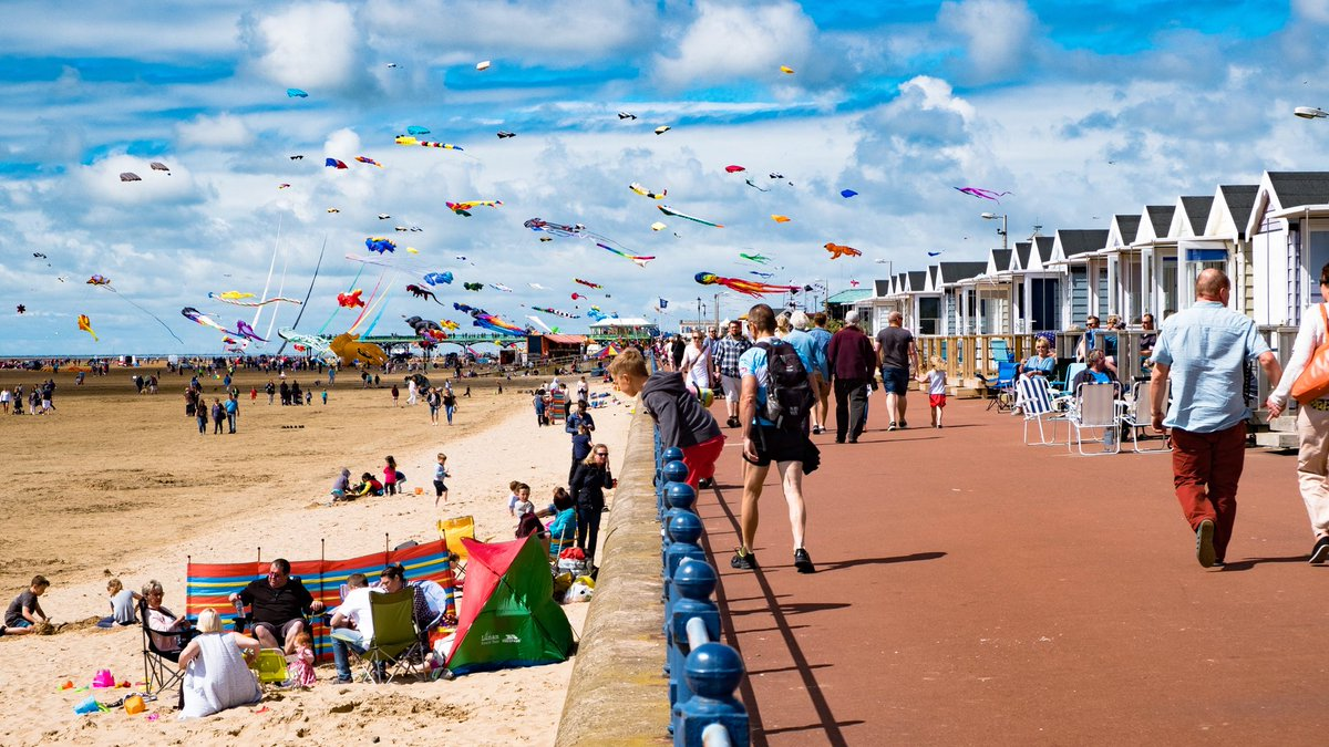 St Annes Beach Huts On Twitter Summer 2018 Hut Als Book Early To Get The Best Prices Https T Co Bycl6t2tmi Dontsayitdoit