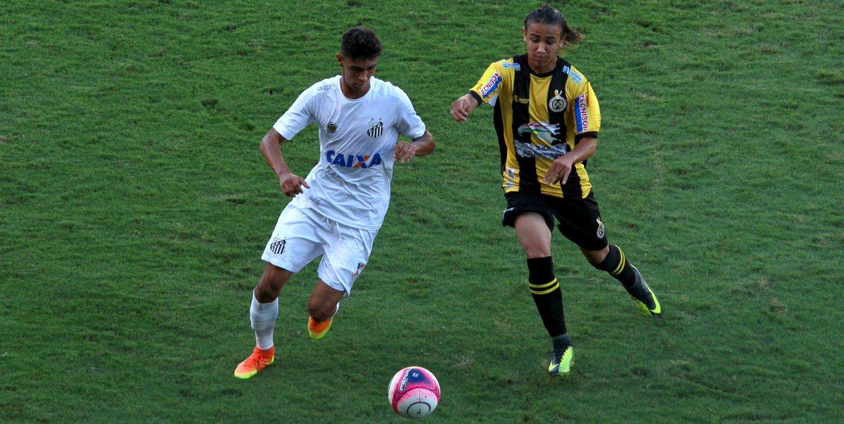 Após oferecer gol a filho na Copinha, jogador do Santos descobre que teste de gravidez da namorada deu negativo https://t.co/xLy40Eolhm
