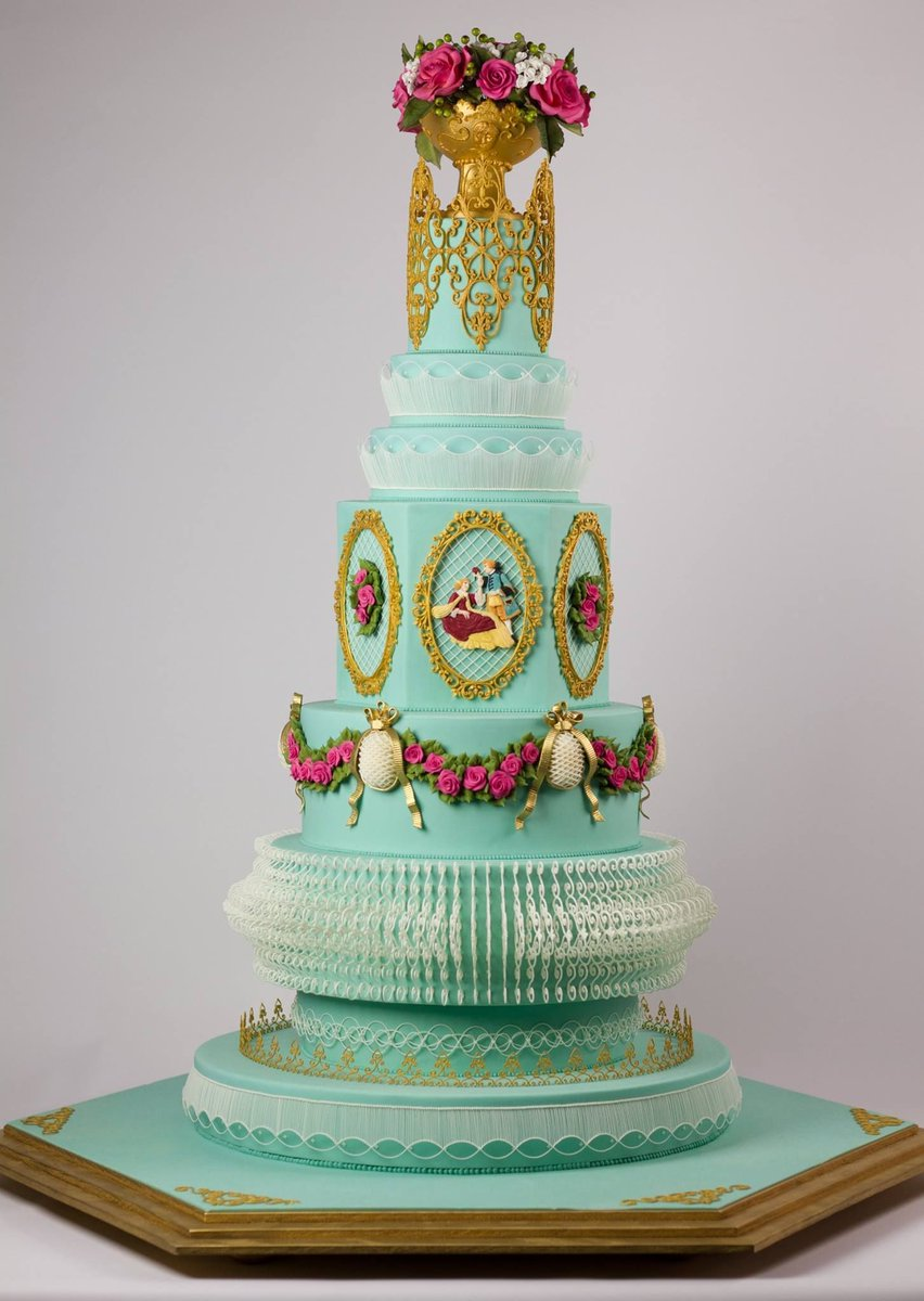 Acd On Twitter A Cake Fit For A Queen Stunning Royal Icing
