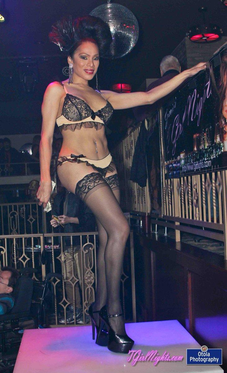 Victoria secret model shannan nude
