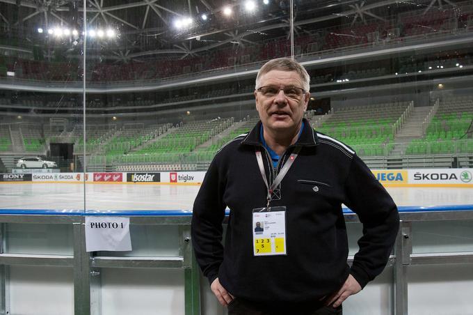 Gost #SobotniIntervju selektor @lovehokej Kari #Savolainen o ciljih na @Olympics, tem, na katero tekmo v #Pjongcang je osredotočen, @AnzeKopitar, o Jan #Drozg, skrbeh, da 💰govori namesto 🏒, Slovencih in čudežu, ki bi ga morali bolj ceniti.💪@TeamSlovenia