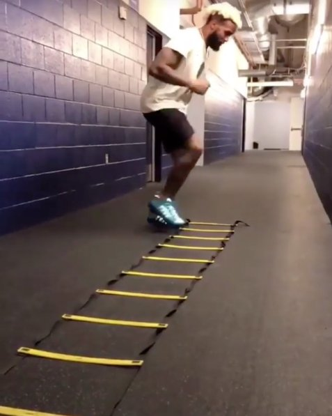 VIDEO: Odell Beckham Jr. adopting #ThatSlowGrind 💯 https://t.co/KtW7gbXkYL