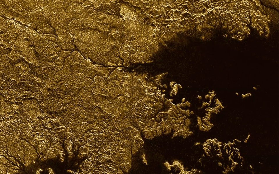 Saturn's moon Titan sports Earth-like features https://t.co/dqC1zn2k4F https://t.co/bXt6vuhC7R