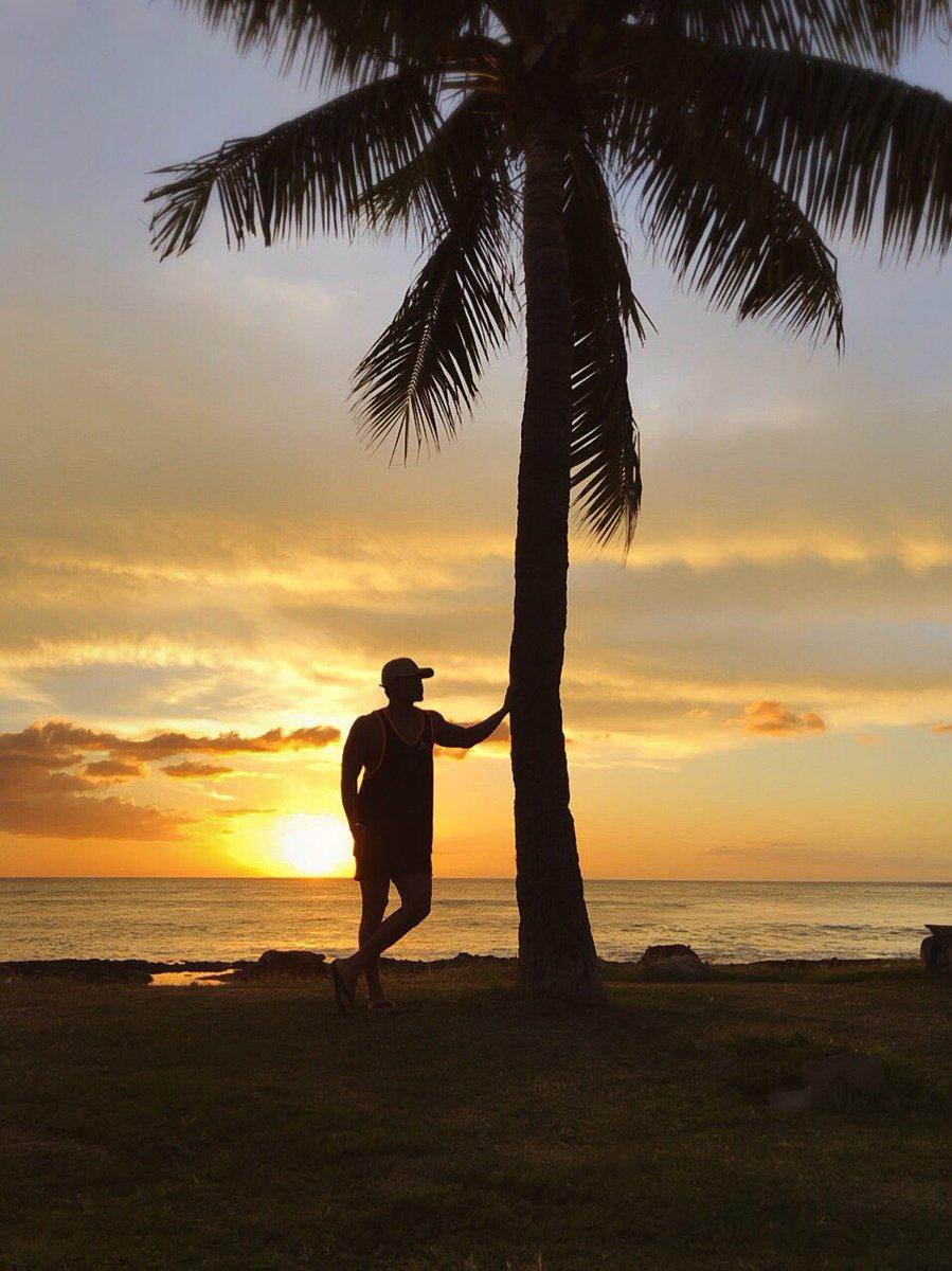 少し遅くなりましたが… 明けましておめでとう御座います✨  in HAWAII  RYUTO
