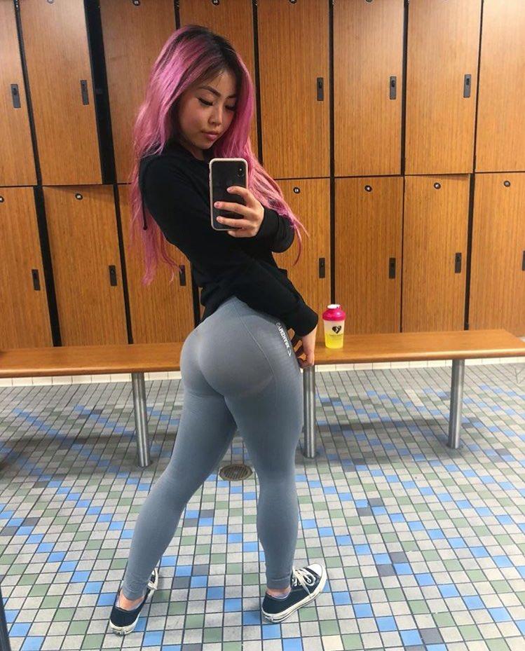 Fat girl in leggings