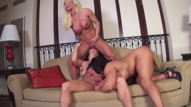 Another vid sold! Bulging and Buffed Out Pussies. Get yours here https://t.co/Kh7V76LTqV @manyvids #MVSales