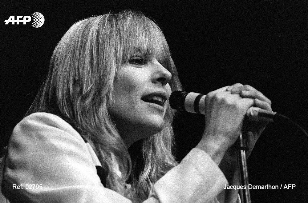 La chanteuse France Gall est morte ce matin à Paris #AFP