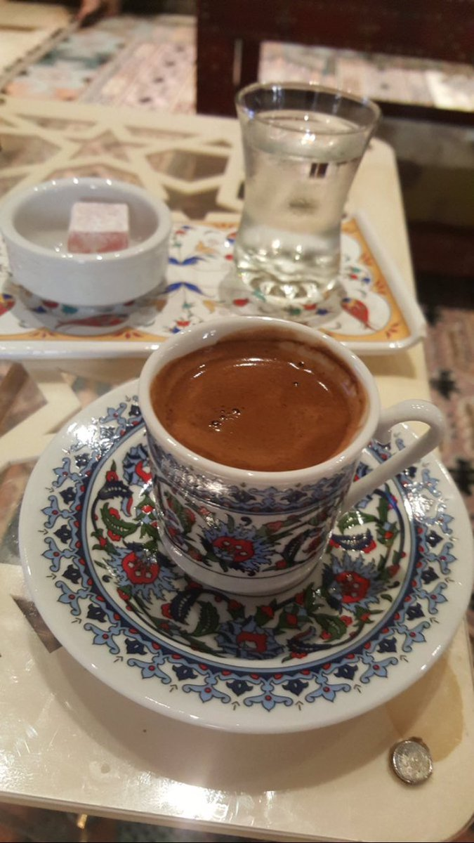 جمال الصباح مع القهوة غير 😎🚬