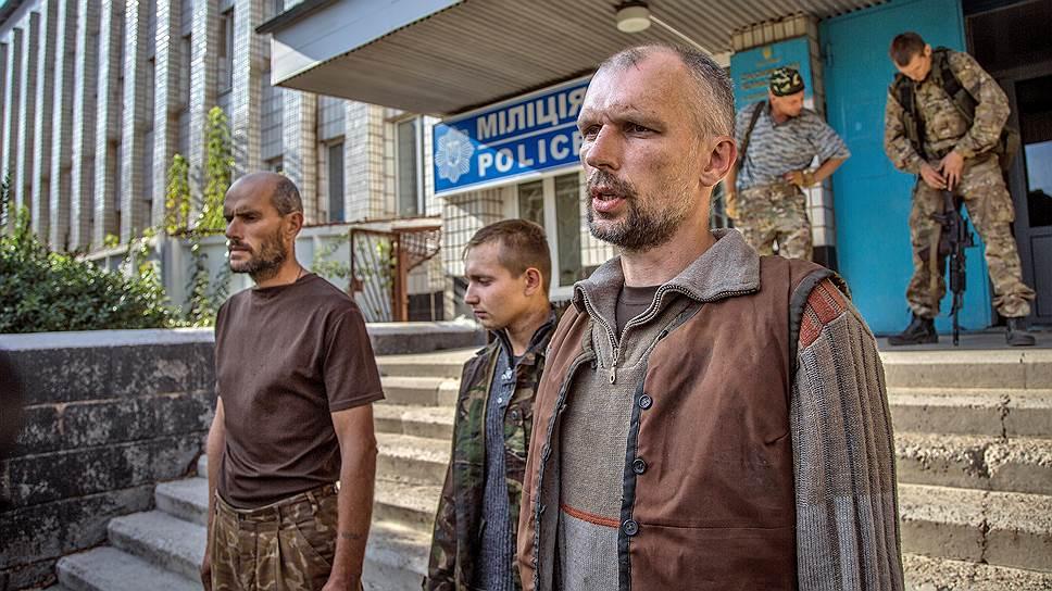 Порошенко по телефону поздравил первых освобожденных из вражеского плена украинцев, - Цеголко - Цензор.НЕТ 4643