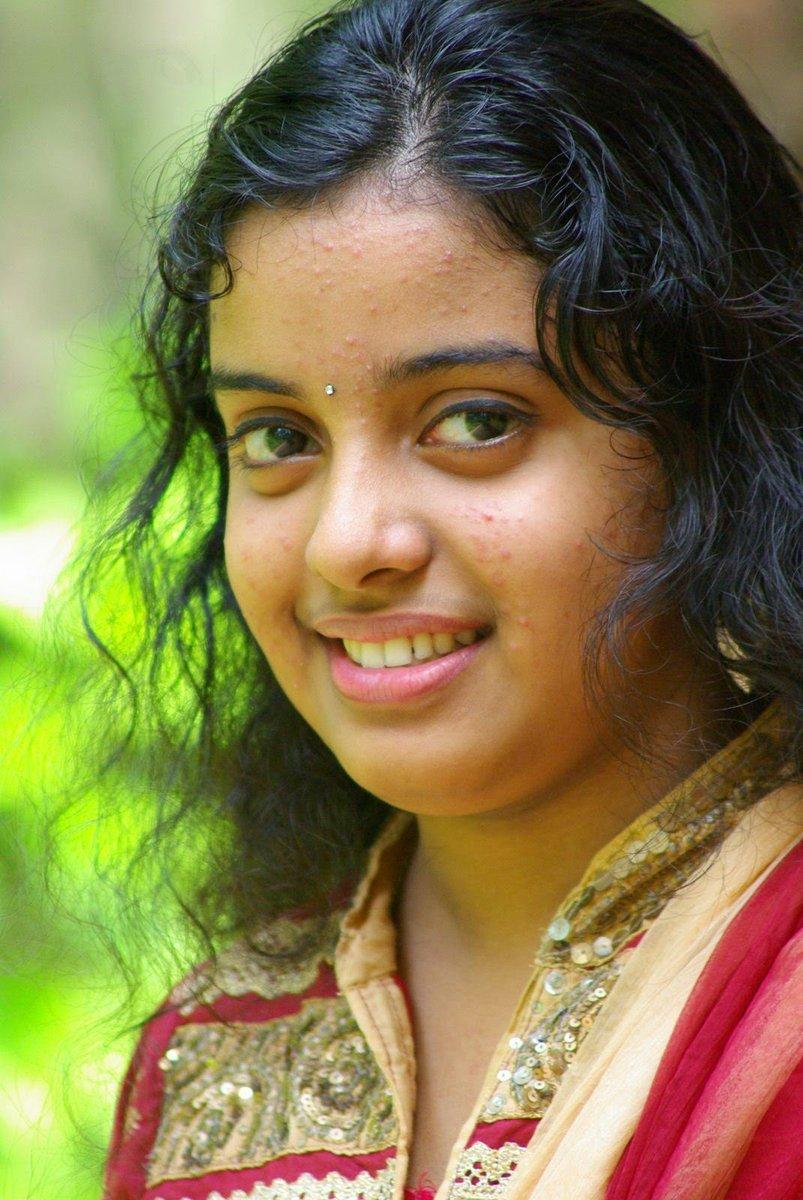 Mallu teen girls in saree