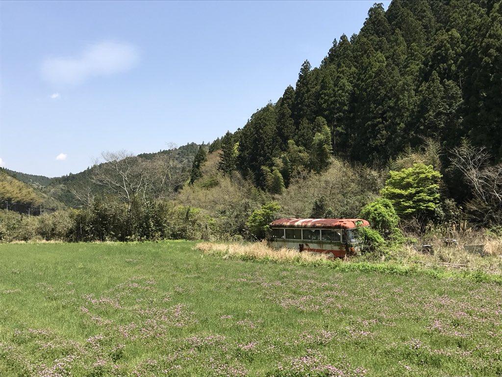 >RT 四国の内陸部はガチで時間が止まってるからな。 バイクで走るには最高なシチュエーションだけど