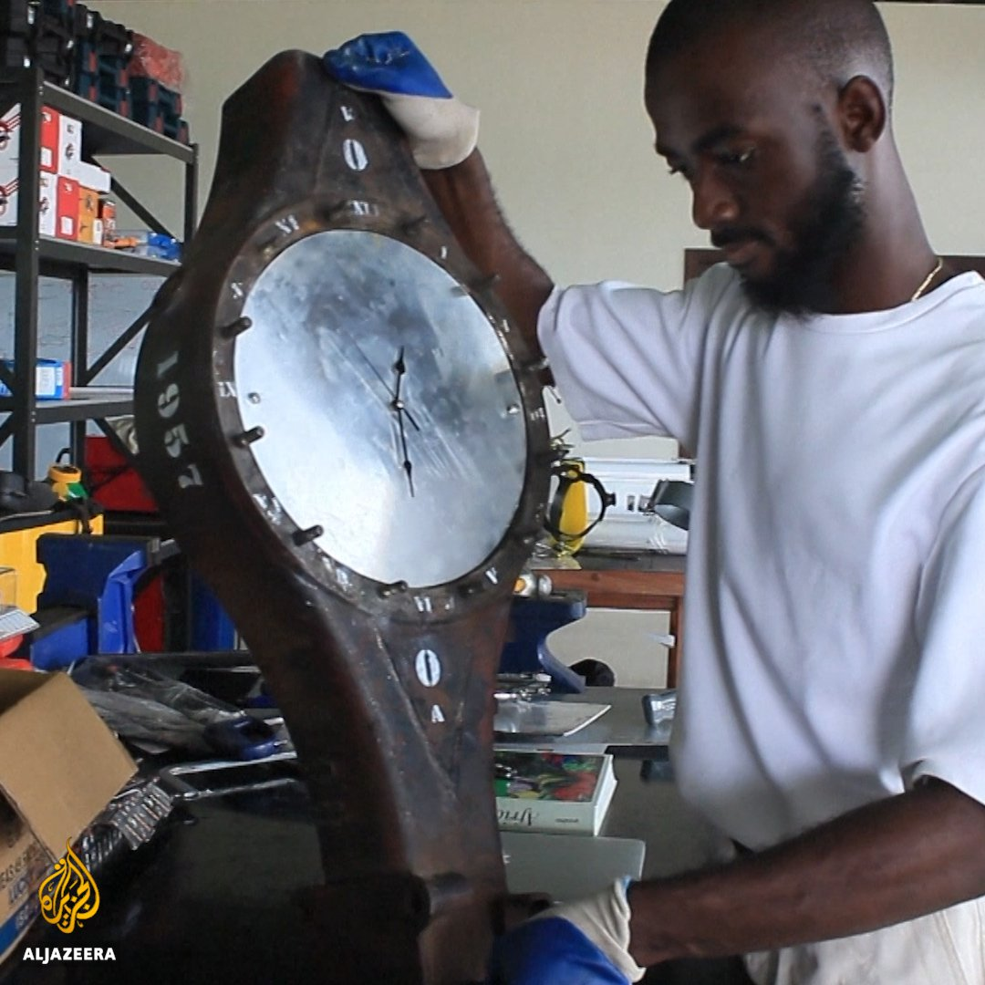 Meet the man turning Ghanas 40,000 tonnes of e-waste into art.