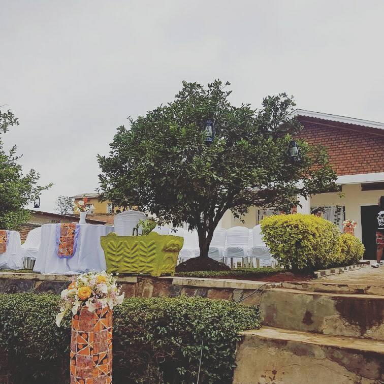 Lotus boutique rwanda on twitter lotusboutiquerw decoration for decoration for traditionalwedding gusabathing gusaba madeinrwanda flowers kitenge decoration weddingdecoration rwanda rwot kigali junglespirit Choice Image