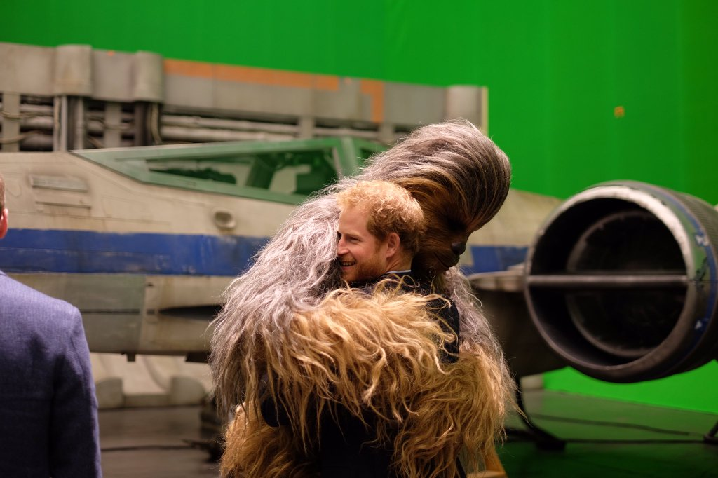 46 behind-the-scenes photos of #TheLastJedi: