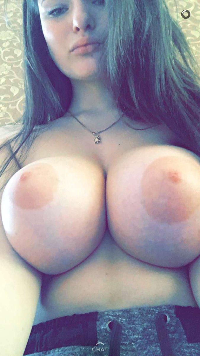 Da1ryqueenoo tits