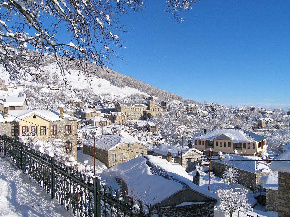 зима в греции фото памятник посвящен известному
