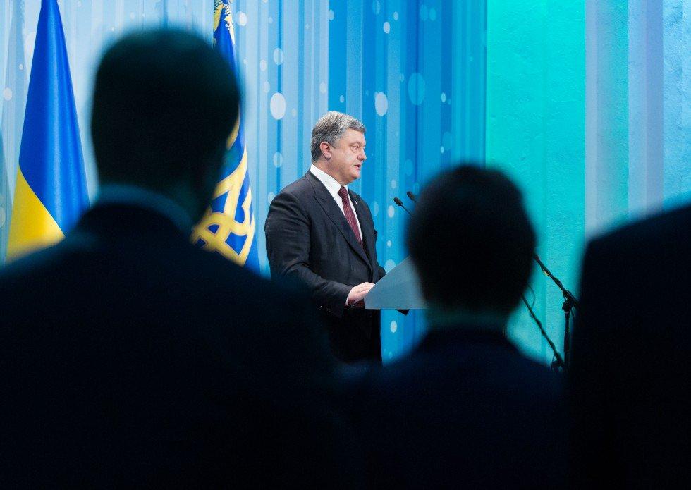 Порошенко в Одеській області підписав закони про медреформу і реформу сільської медицини - Цензор.НЕТ 8306