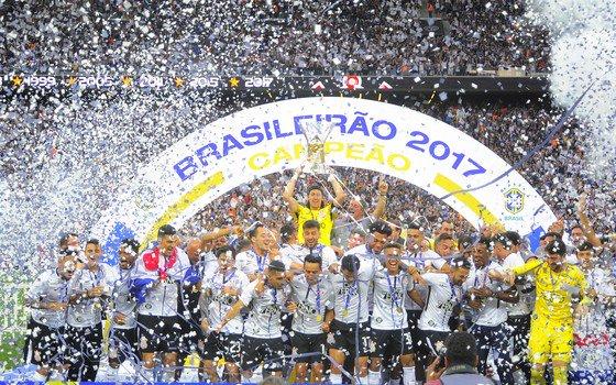bb005b6b0e Retrospectiva-2017  Corinthians vai de quarta força paulista a campeão  brasileiro https