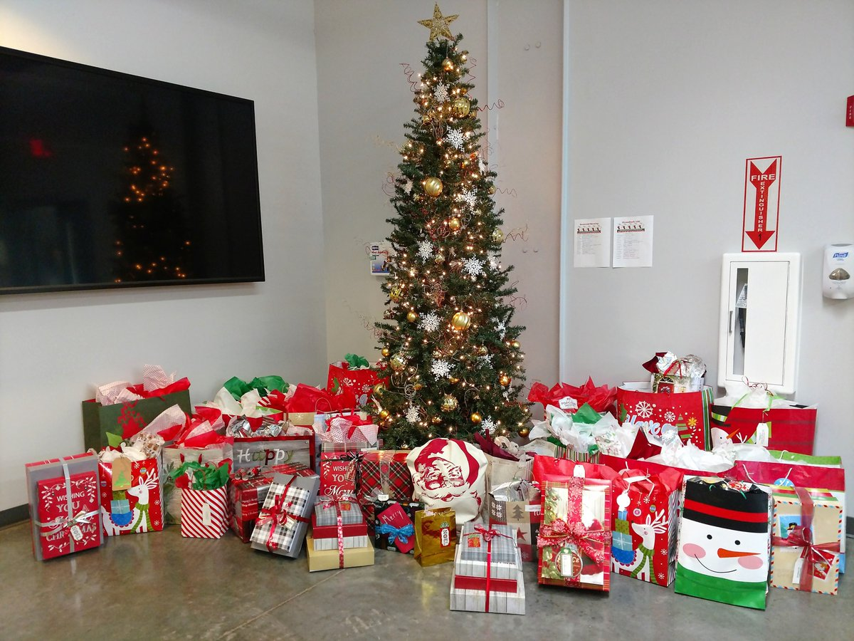 luminant on twitter kosse mine employees recently held an angeltree drive and delivered gifts to residents at nursing home facilities in bremond and