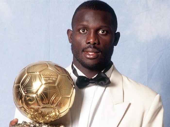 👑 George Weah :  📆 1995 : Élu Ballon d'Or (unique joueur africain ayant remporté cette distinction). 🥇  📆 2017 : Élu président du Liberia. 🇱🇷