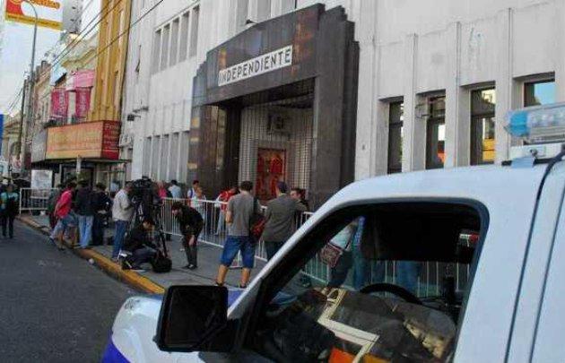 Allanan Independiente por presunto lavado de dinero
