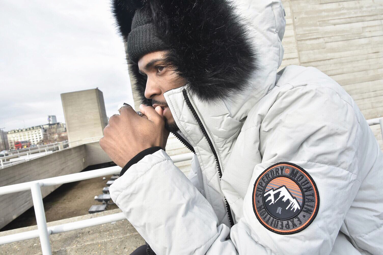 Getting cold out here guys make sure you wrap up warm with some @Superdry #superdry #superdrylondon https://t.co/ztBhV4kGPy