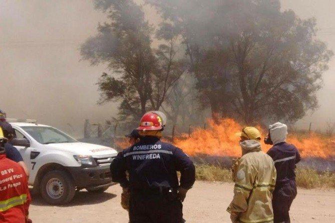 Incendios en La Pampa: Ya se quemaron otras 900 hectáreas