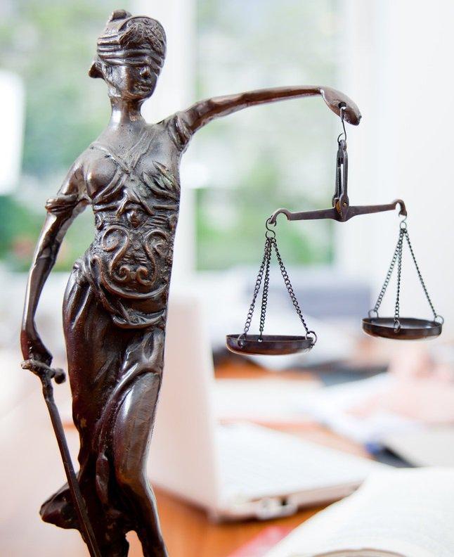 Открытка с днем рождения адвокат, статусы