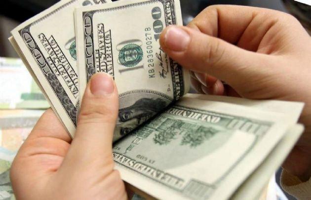 El dólar retrocedió tras la suba récord y cerró en $ 18,92