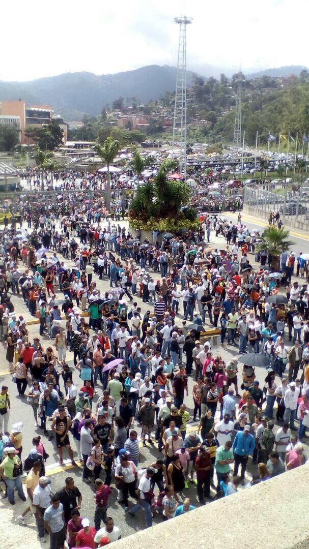 Venezuela un estado fallido ? - Página 11 DSS4eXFX4AA5D1M